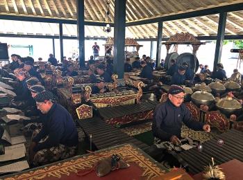 Gamelan spelers in de Kraton Yogyakarta
