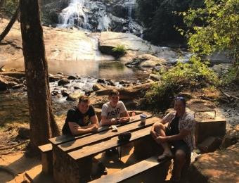 Picknicken bij de Debengeni Falls