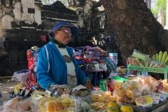 Verkopers op de Kuta strandboulevard