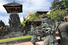 Ook het toeristische Kuta heeft mooie tempels zoals Pura Desa Kuta