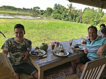 Lunch bij een  rijstveld