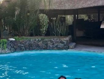 Gweta Lodge zwembad