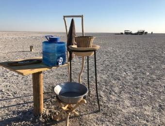 Makgadikgadi-Pans-National-Park-bathroom