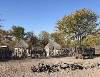 Piepkleine dorpjes onderweg naar de Ntwetwe pans