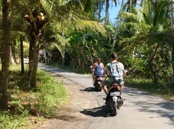 Scooteren op Nusa Lembongan