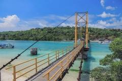 De brug tussen Nusa Lembongan en Nusa Ceningan