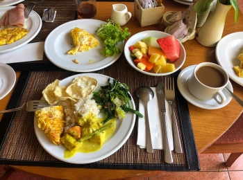 Ontbijt in Parigata Resort