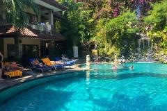 Parigata resort zwembad