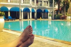 Lekker luieren bij het zwembad in Hotel Majapahit