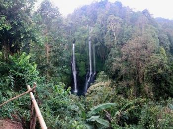 Adembenemende Fiji watervallen