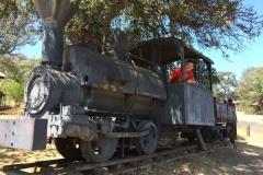 Oude locomotief voor de goudmijnen in Jamestown