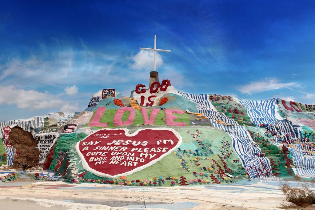 Salvation Mountain. Land-artkunstwerk van hippie-kunstenaar Leonard Knight