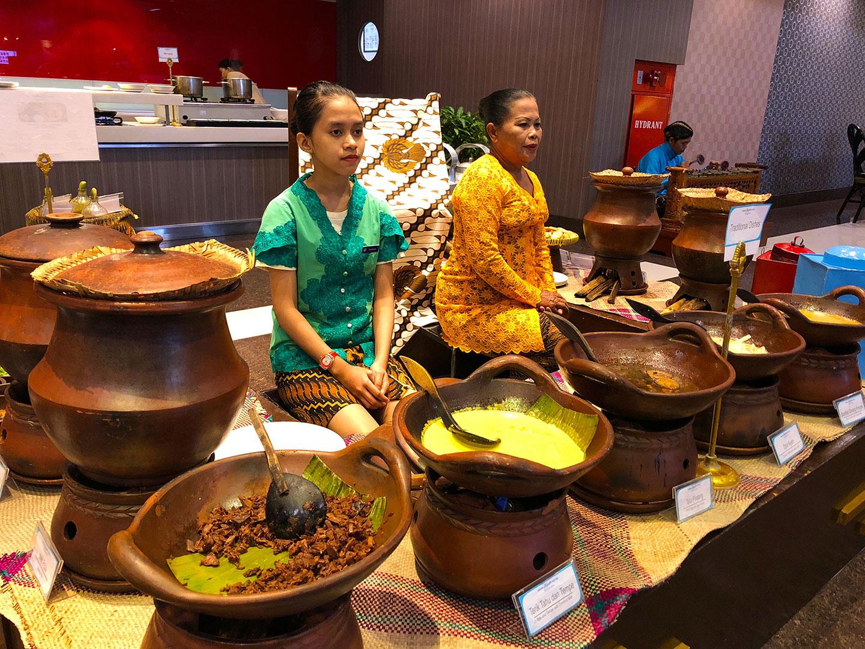 Javaans ontbijt in het Prime Plaza Hotel