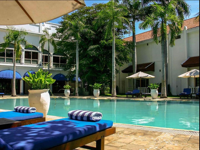 Heerlijk zwembad in het koloniale Majahapit Hotel