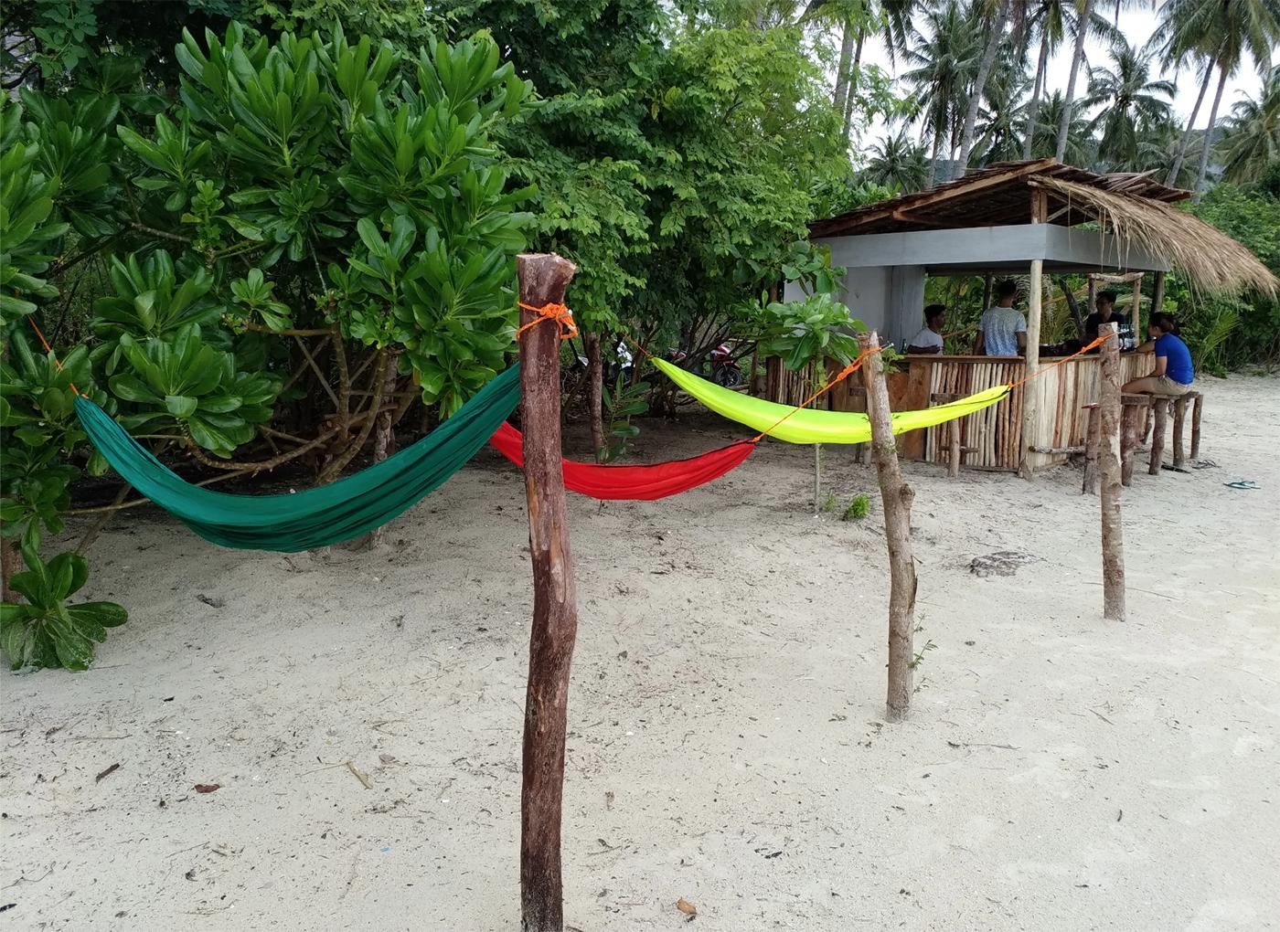 Chillen in een hangmat op White Beach