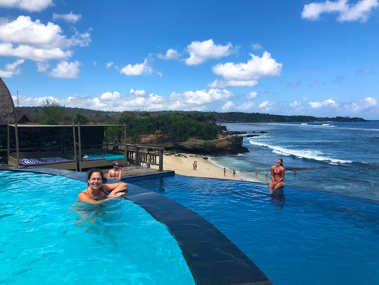Dream Beach Huts Infinity Pool