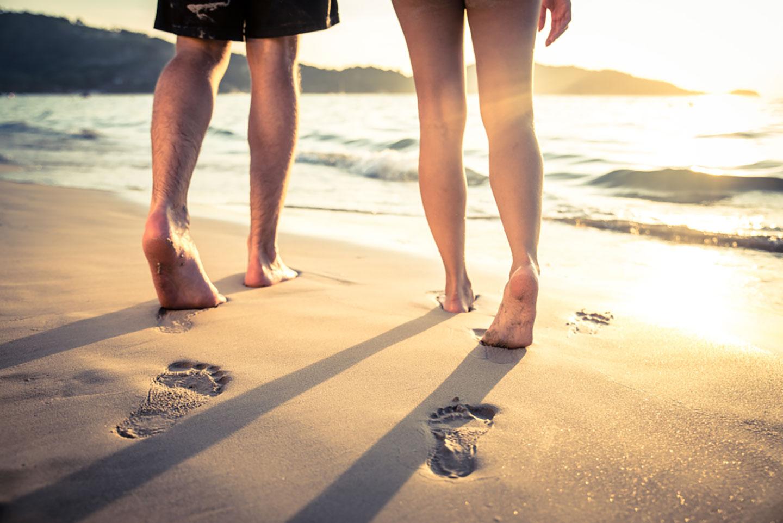 Beachwalk barefoot