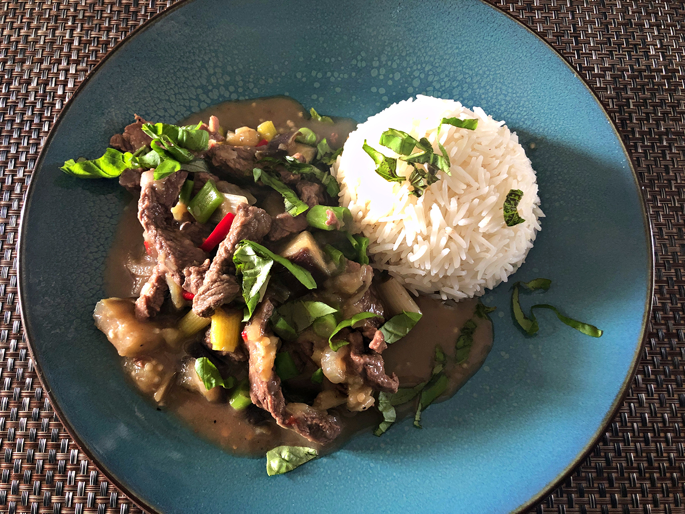 Thais rundvlees em aubergine