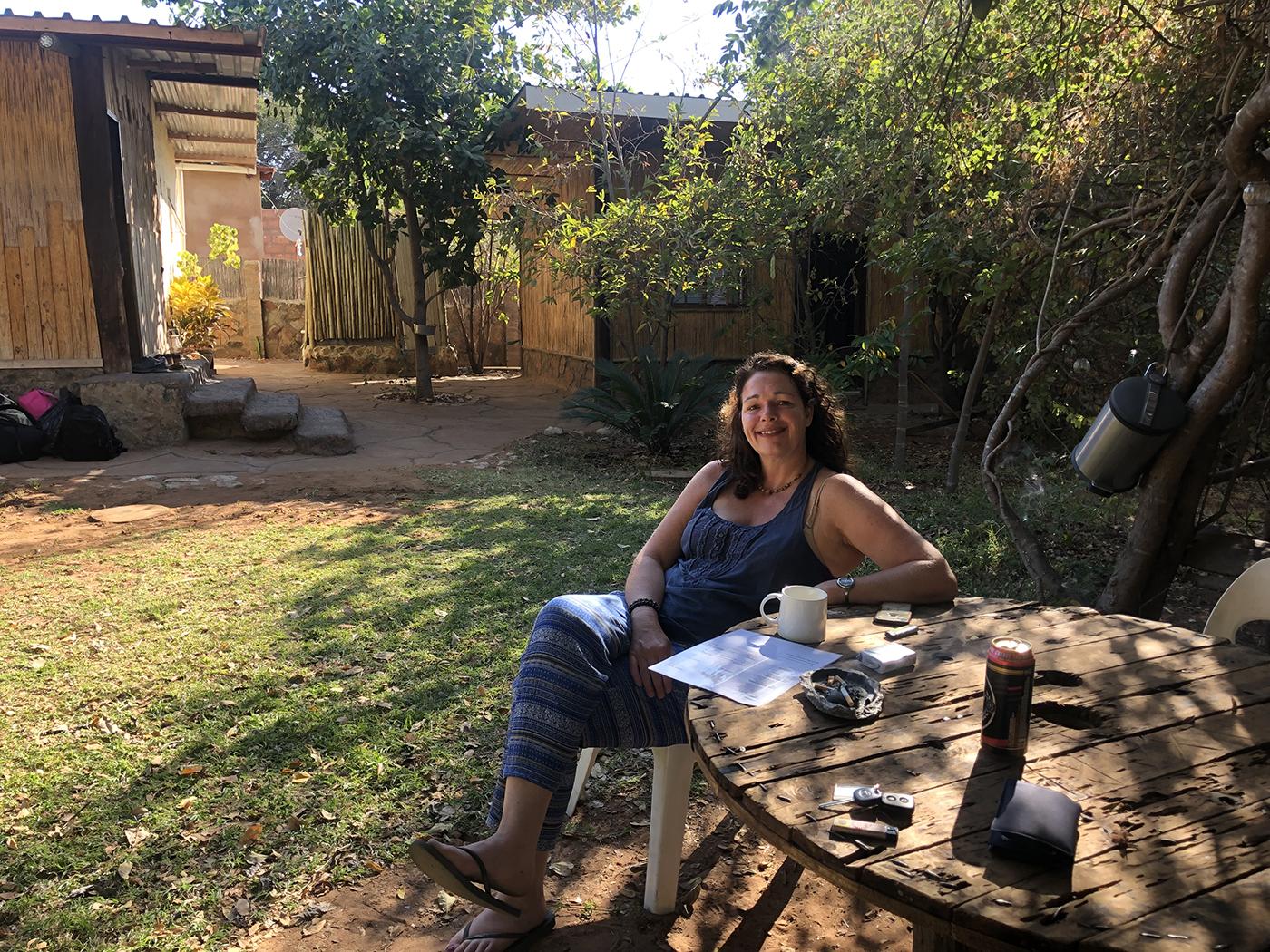 Koffie drinken in Nxabii cottages