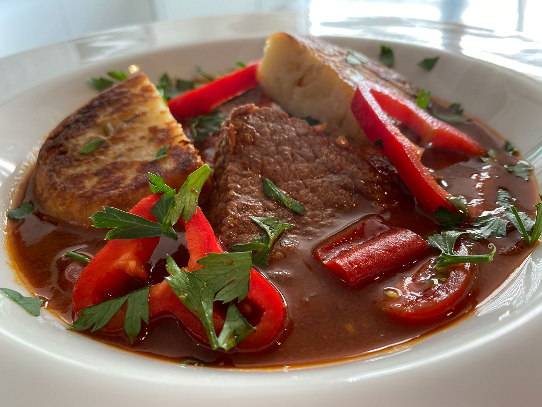 Hongaarse beef stew zoals in Budapest