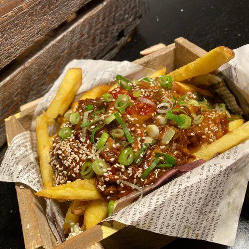 Asian Chicken Stoof met patat frites