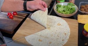 Tortilla wrap doorsnijden