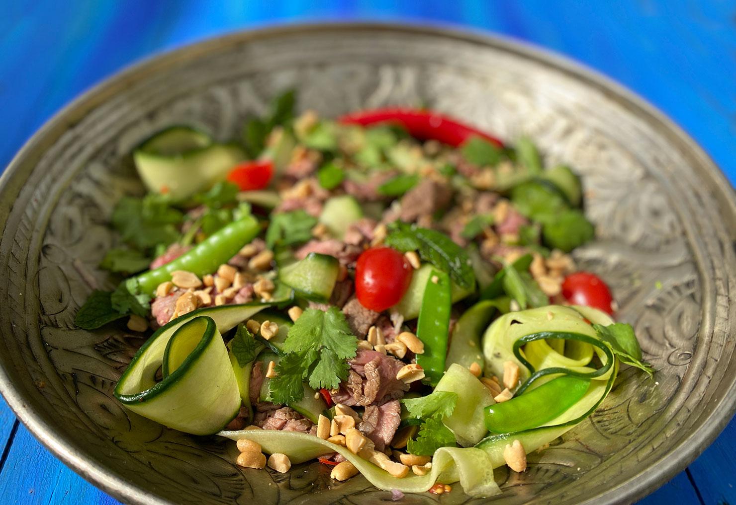 Thai beef salad streetfood uit Thailand