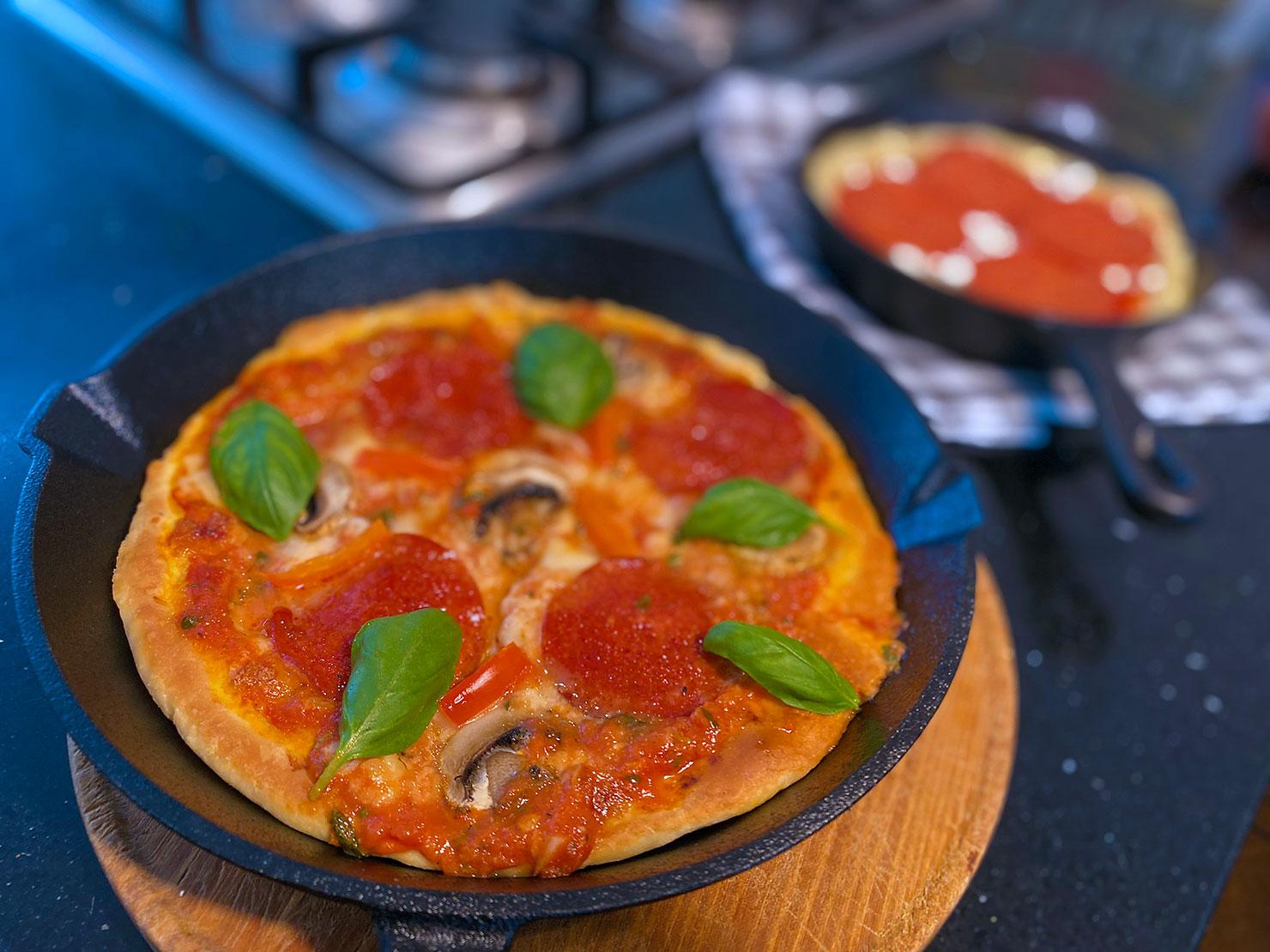 Cast-Iron-Pan-Pizza uit Detroit